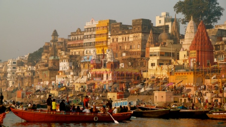 Sunrise tour along the Ganges