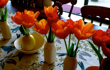 Tulip Table Setting.  Absolutely delightful!