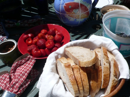 strawberries and bread