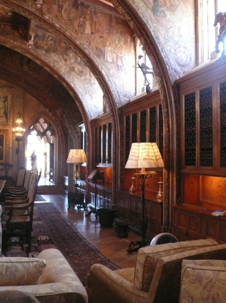 Hearst Castle: the library
